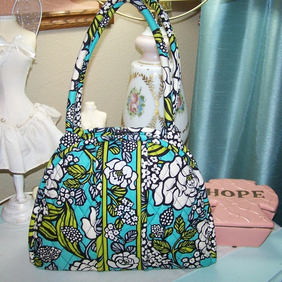 121a2359d4 Vera Bradley Frame Purse NWOT Medium. M 5b6f4c2dc2e9fe6d745641be